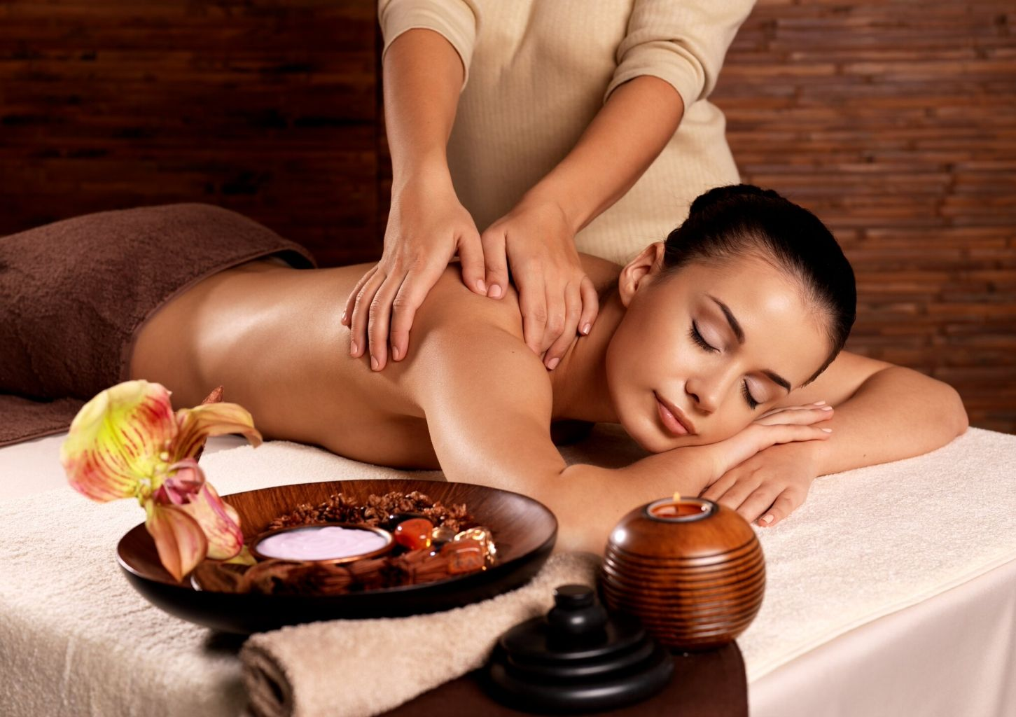 Thai Orchid SPA Традиционный тайский массаж с маслом 60 мин